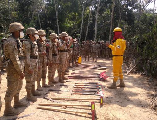 Guardaparques de Madidi y Pilón Lajas capacitaron a las FF.AA. sobre incendios forestales
