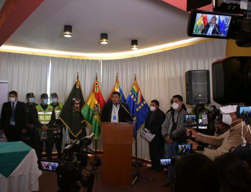 SE LLEVÓ ADELANTE LA «CAMPAÑA DE LIMPIEZA DEL LAGO TITICACA» EN EL MUNICIPIO DE COPACABANA